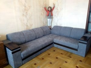 угловой диван-замена обивки